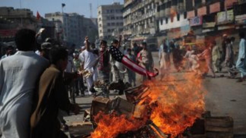 Al menos 14 personas han muerto y más de un centenar resultaron heridas...