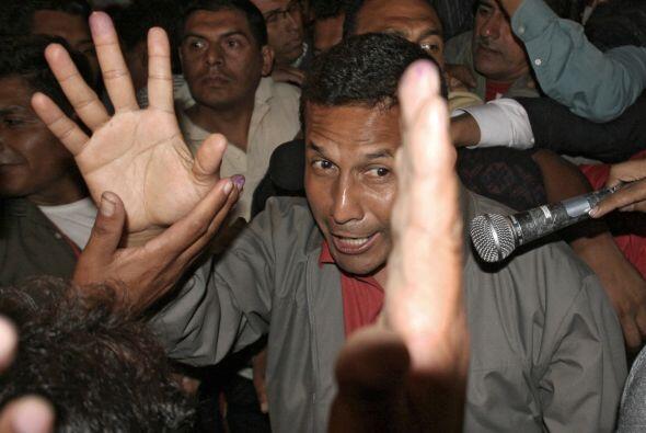 Humala, un general retirado creó polémica en las eleccione...