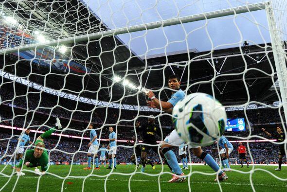 El ablón iba a las redes y le daba el triunfo al Wigan.