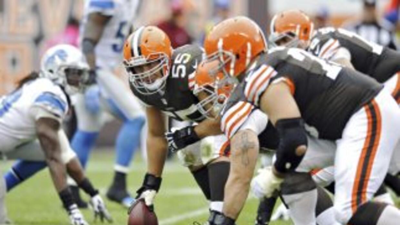 Alex Mack podría quedarse en Cleveland (AP-NFL).