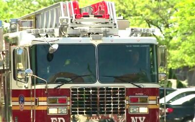 Al menos 19 heridos deja un incendio causado por una vela que habría tum...