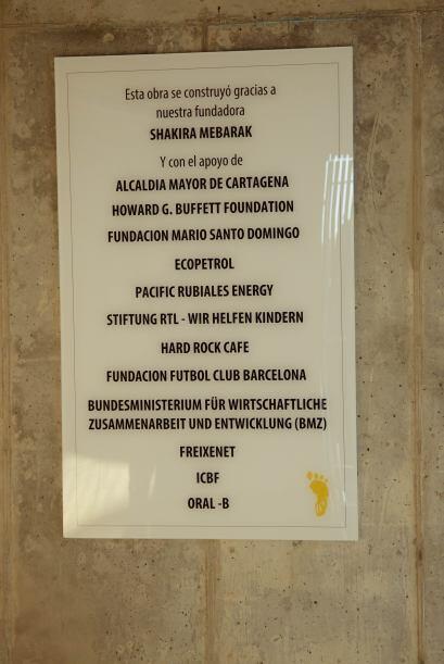 En el instituto hay una placa conmemorativa con el nombre de los fundado...