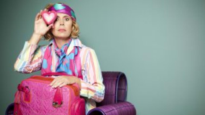 La diseñadora española lanzó una colección de bolsos y maletas de viaje...