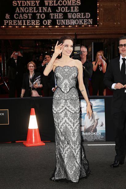 ¡Espectacular! Así lució Angelina en la premiere mundial de su cinta 'Un...