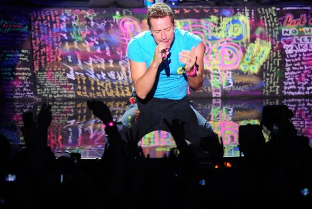14. Coldplay  Ganancias netas: $64 millones.  Presencia en radio y tv: 5...
