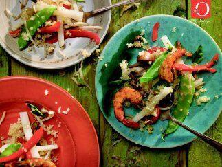 Ensalada de quinoa: La quinoa es uno de los granos que aporta más proteí...