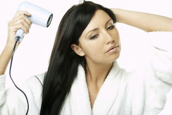 ¿Cómo preparar el cabello? Antes de usar la tenaza rizador...