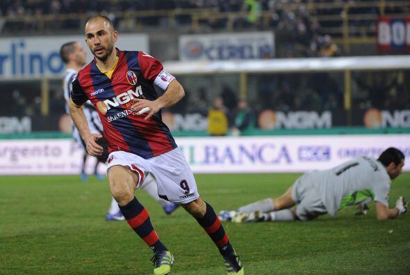 El remate venció al histórico portero italiano y fue la ap...