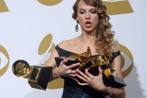 Pero eso no es todo, la cantante ganó un total de cuatro premios...
