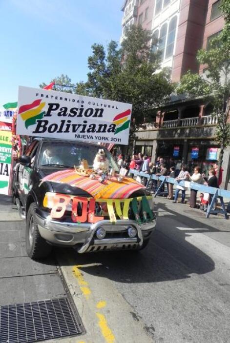 Primer desfile Boliviano de Nueva York 102da26f8c444c729d795966d9513987.jpg
