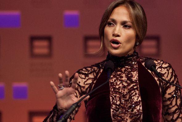 Jennifer López: Actriz y talentosa cantante de ascendencia puertorriqueñ...