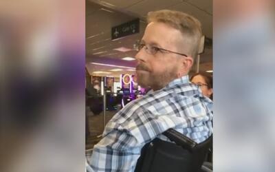 En video, la actitud racista de un hombre que insultó a un hispano mient...