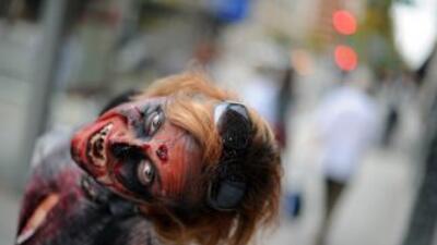 Una oleada de zombies han llegado a las oficinas.