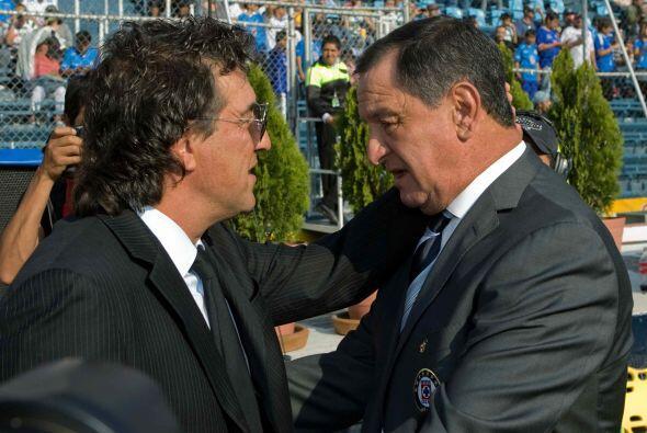 Enrique Meza parecía extrañar al Pachuca, tanto como Rubén Omar Romano a...
