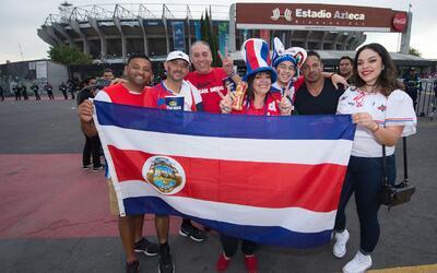 México se disculpó con Costa Rica por tirar al cesto de basura su bandera