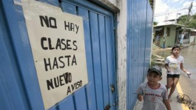 En Acapulco, Guerrero, se verán afectados alrededor de cinco mil alumnos...