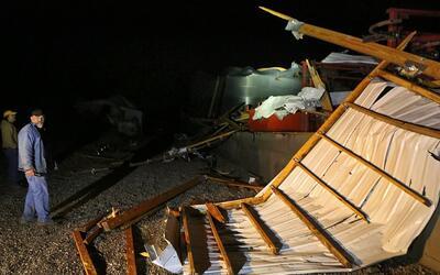 Los tornados causaron daños a viviendas, propiedades, servicios y...