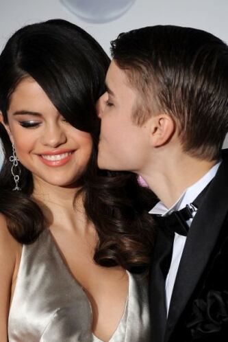 Ventiló las intimidades de Selena Gomez. Quizás para olvidar sus escánda...