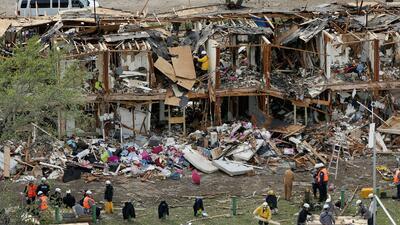 Explosión dejó al menos 500 casas y escuelas destruidas en...