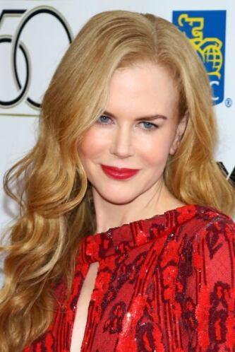 Kidman puede darse el lujo de usar un maquillaje muy natural por tener u...