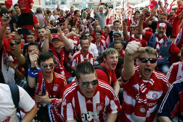 Bayern, equipo local, tiene por supuesto mayoría de seguidores.