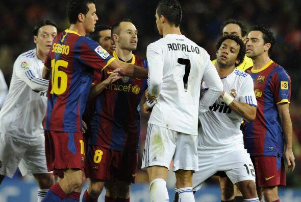 Más tarde, algunos jugadores como Iniesta o Pepe calmaron los &aa...