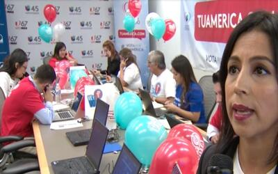 Banco de llamadas: Representantes de NALEO responden preguntas sobre reg...