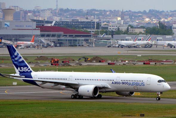 Luego de mucho tiempo de espera finalmente este viernes el Airbus A350 e...