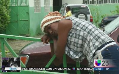 Familias comienzan a sepultar a las víctimas mortales del huracán Matthew