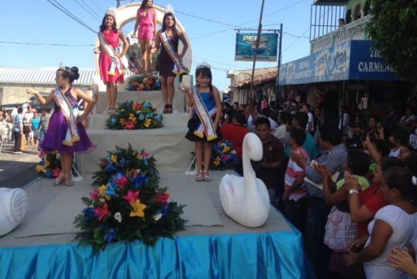 Entre colores y saludos, Marisela Demontecristo  se divirtió como nunca.