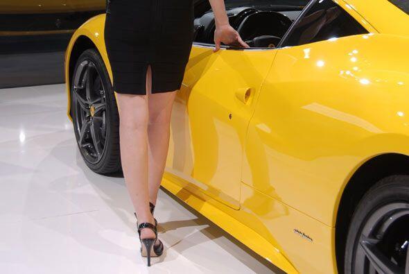 Así sea con una sencilla presentación, Ferrari llama la atención.