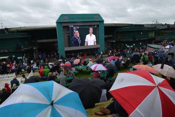 El partido, correspondiente a la cuarta ronda del Grand Slam británico,...
