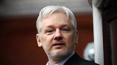 """WikiLeaks había denunciado un corte """"deliberado"""" de la conexió..."""