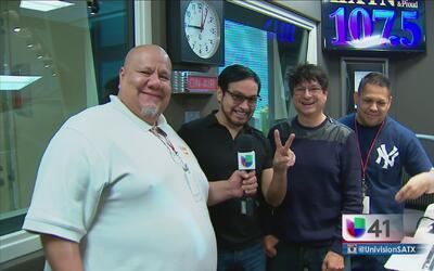Óscar y Armando de Mafia son DJs en KXTN