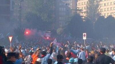 Los aficionados del Celta celebran en las calles de Vigo la permanencia...