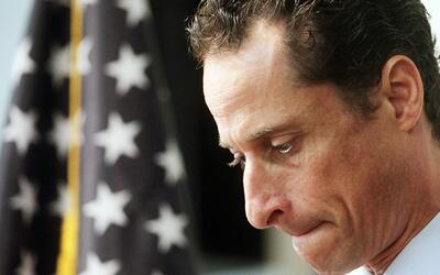Anthony Weiner se declaró culpable por intercambiar material sexual con...