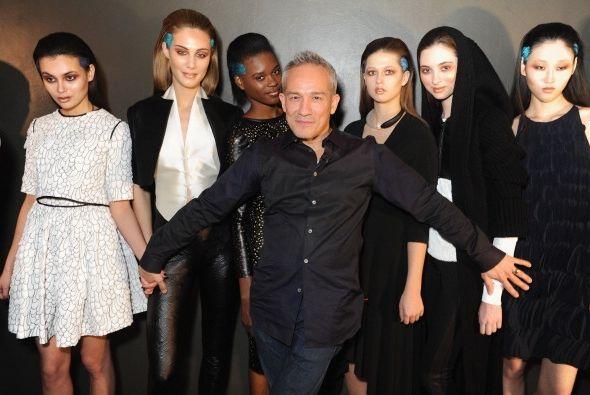 """El diseñador César Galindo presentó en NY su colección """"Czar"""" de otoño/i..."""
