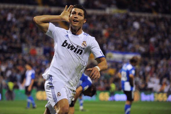 El crack portugués lleva 265 goles en apenas 254 partidos oficiales con...