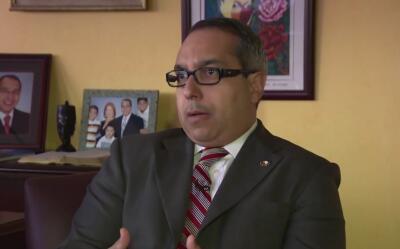 Alcalde hispano renuncia tras admitir que aceptó sobornos en Nueva Jersey