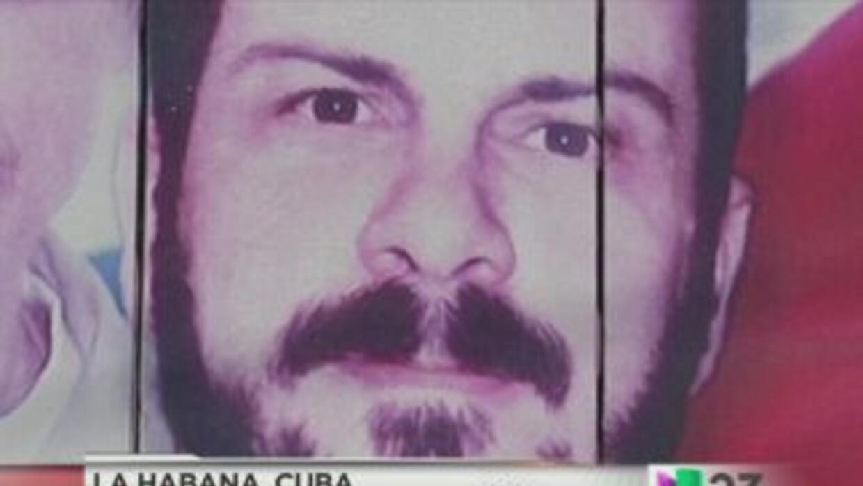 Queda en libertad exespía cubano