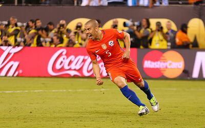 El 'Gato' celebra el gol que le dio a Chile el título de la Copa América
