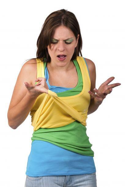Cuando te cae esmalte de uñas crees que es el fin de tu prenda &i...