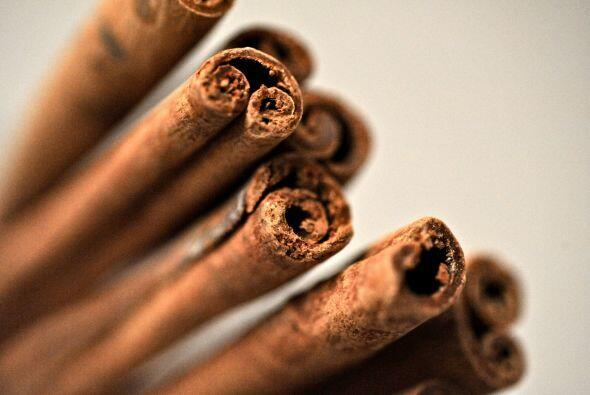 ¿Sabes de dónde proviene la canela? Es una especia que usa...