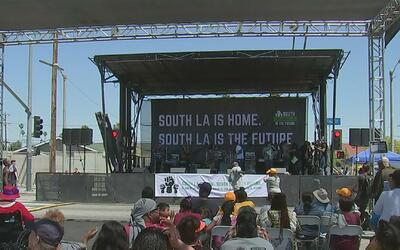 Conmemoración en el sur de Los Ángeles por los 25 años de uno de los peo...