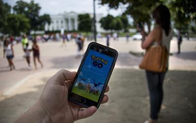 Al jugar Pokémon Go las autoridades piden estar en alerta y vigilantes.