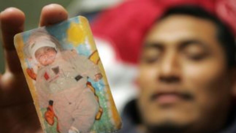 El mexicano Juan Sánchez mostraba en 2006, en plena reconstrucción de Nu...