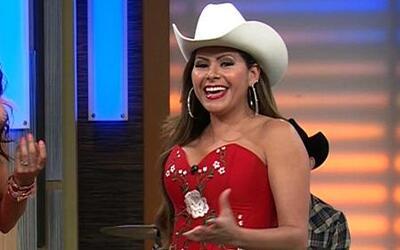 Carmen Jara feliz al presentar ¿Quién tiene la razón?