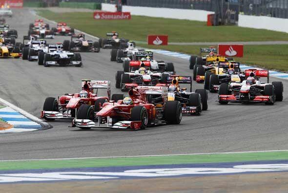 Massa salió por la derecha y en la primera vuelta ya estaba en pr...