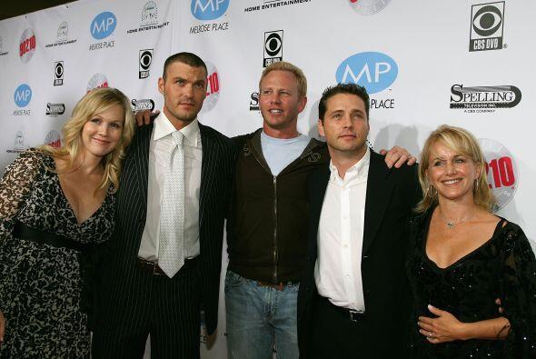 Parte del elenco original presentando en 2006 el DVD de la primera tempo...