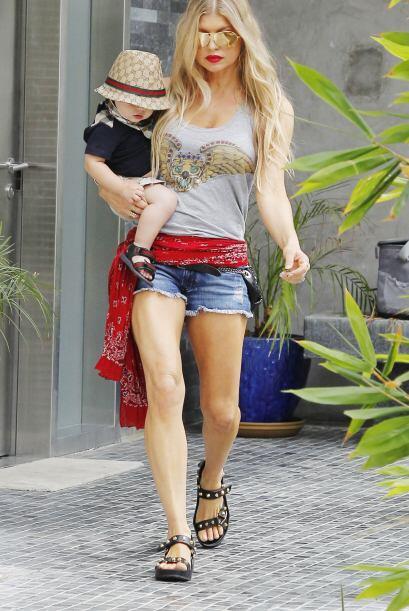 Pero para suerte de Fergie, cuenta con un galán que siempre está al pend...